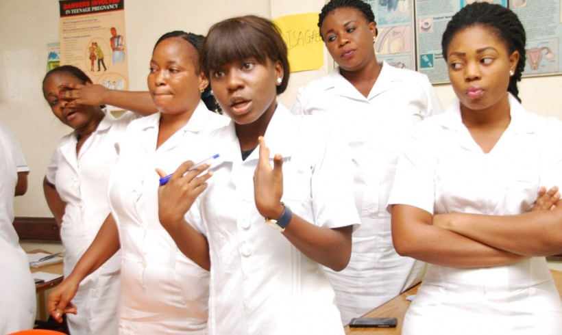 how to become a mental health nurse canada